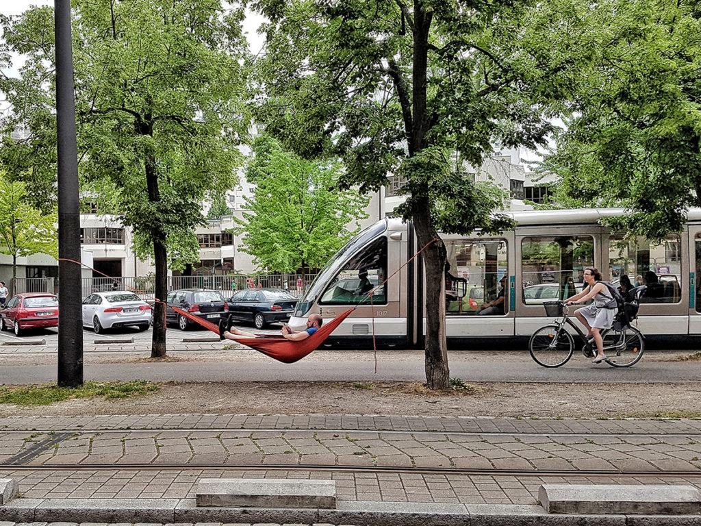 Insolite : un hamac à Strasbourg