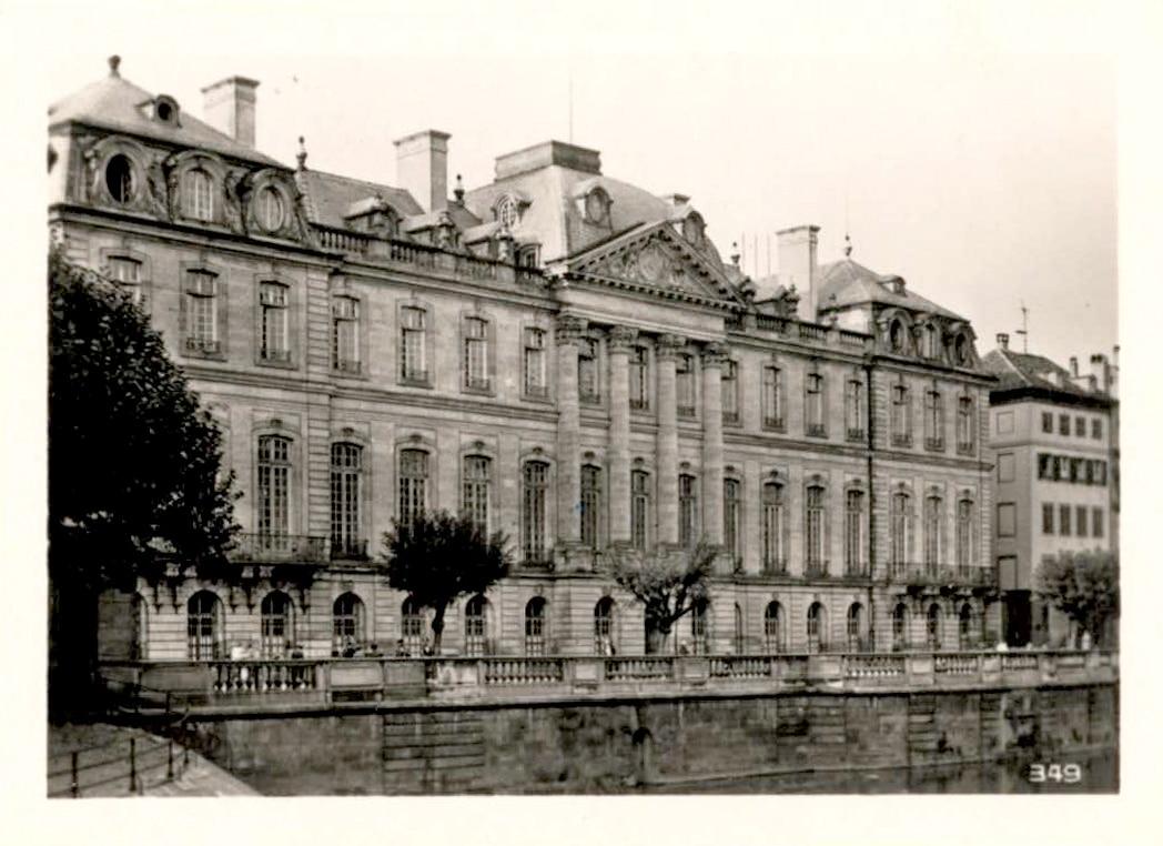 Le palais Rohan dans les années 1950
