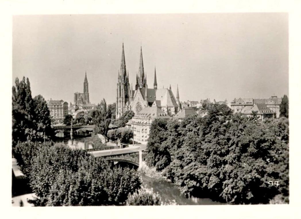 Eglise Saint Paul et Cathédrale dans les années 1950