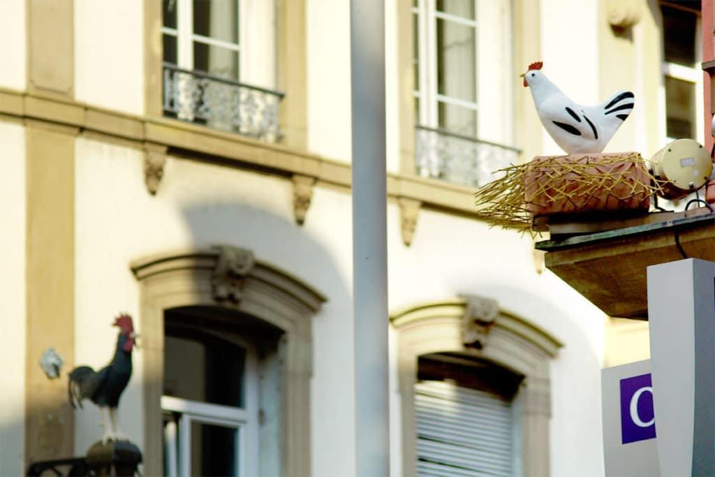 La poule rue de la Nuée Bleue à Strasbourg