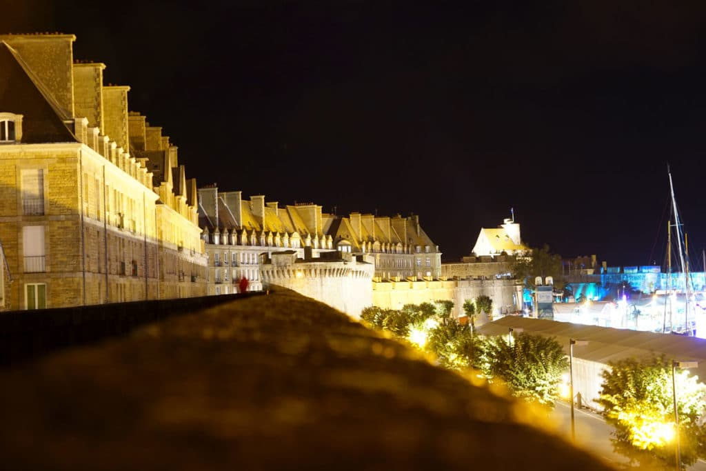 Remparts de Saint-Malo de nuit