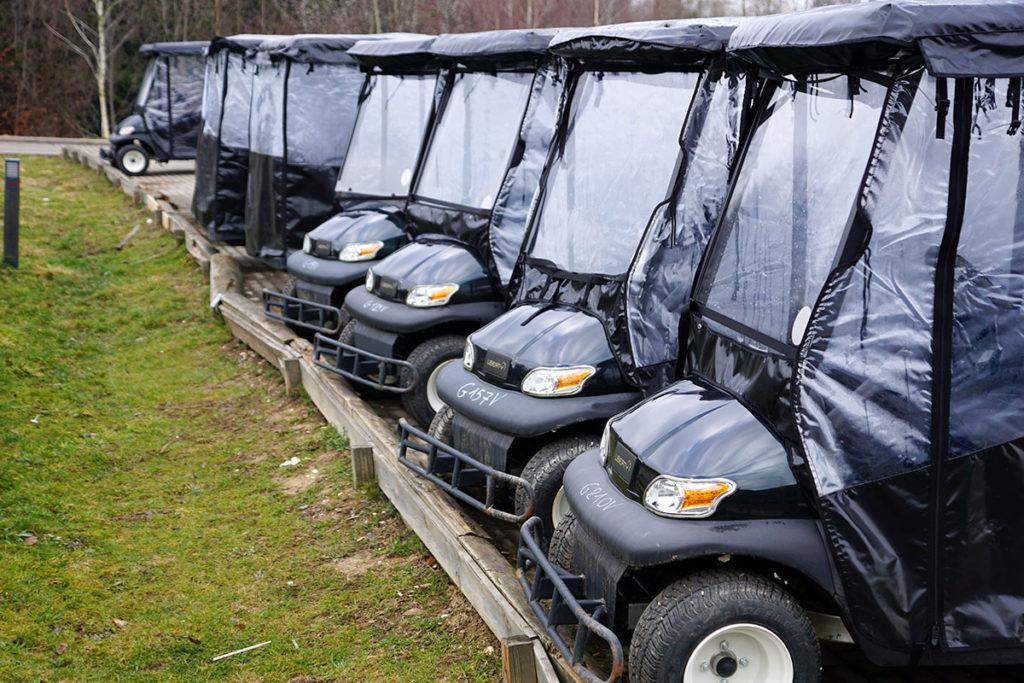 Voiturettes électriques au Center Parcs des Trois Forêts