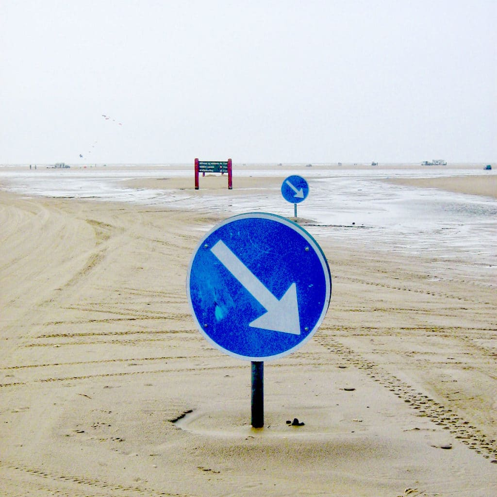 Panneau de signalisation sur la plage de Rømø au Danemark