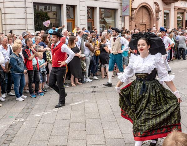 Les fêtes de la Pentecôte de Wissembourg et le cortège folklorique