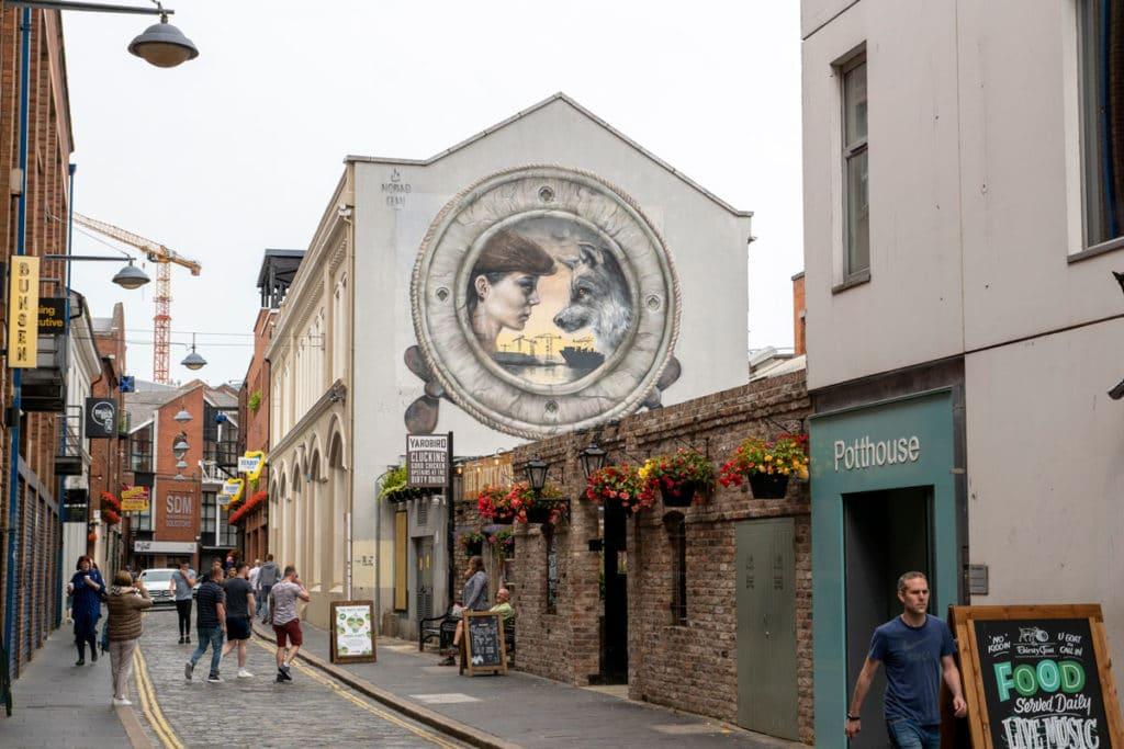 Fresque dans une rue de Belfast