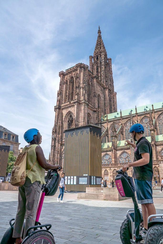 Balade en segway devant la Cathédrale de Strasbourg