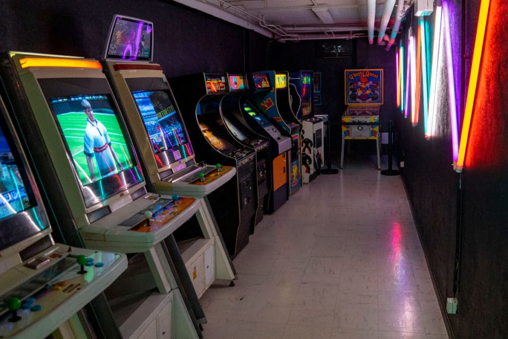 Salle d'arcade au Pixel Museum