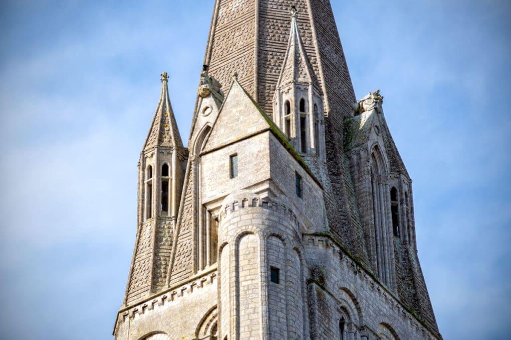 Petite maison sur la tour nord de la cathédrale de Bayeux