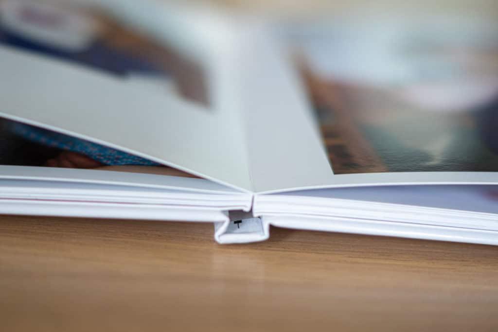 Tranche et reliure livre photo Saal Digital