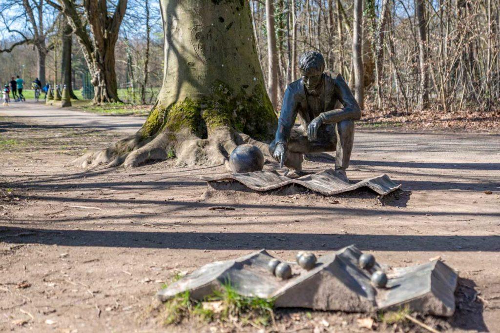 Genius Loci, oeuvre d'art dans le parc de Pourtalès