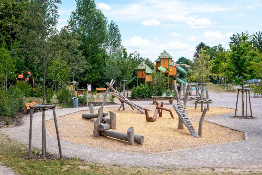Aire de jeux pour enfants au parc Friedel à Illkirch