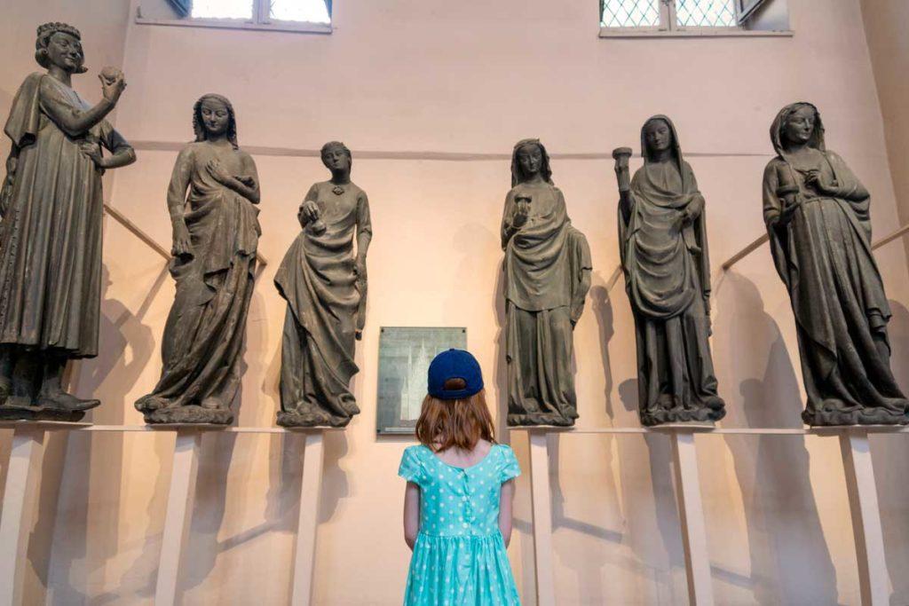 Visite du Musée de l'Oeuvre Notre Dame avec enfant