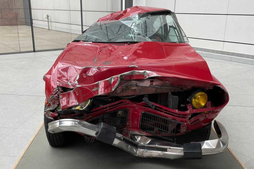 L'automobile accidentée de Bertrand Lavierau Musée d'Art Moderne de Strasbourg