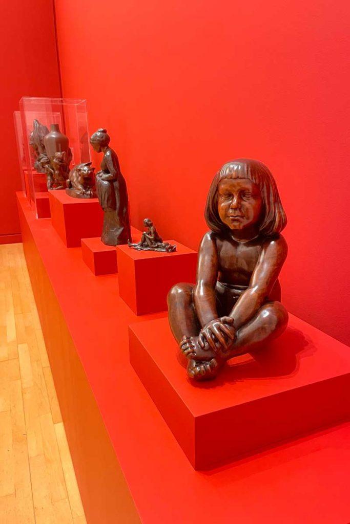 Collection de sculture de Carabin : Nocturne, Femme au chat, L'oubliée, Ma colette